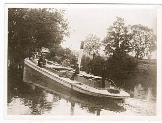 Barge on the Gipping, Kindly supplied by Mr & Mrs R Hood