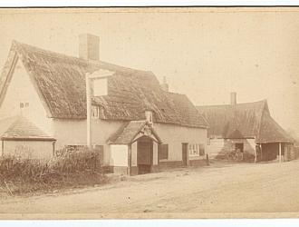 Bygone shot of the Chequers Public House.  Kindly supplied by Mr & Mrs R Hood